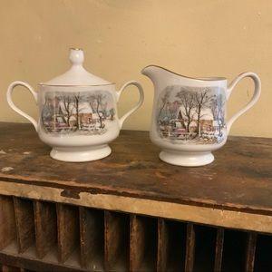 Vintage Avon coffee creamer /sugar bowl set 1981